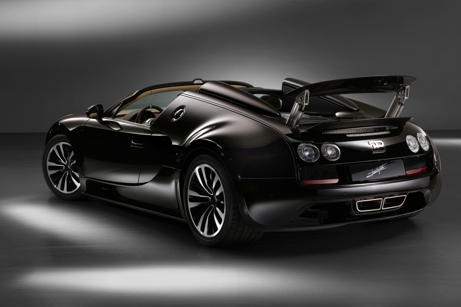 frankfurt 2013 bugatti veyron grand sport vitesse legend. Black Bedroom Furniture Sets. Home Design Ideas