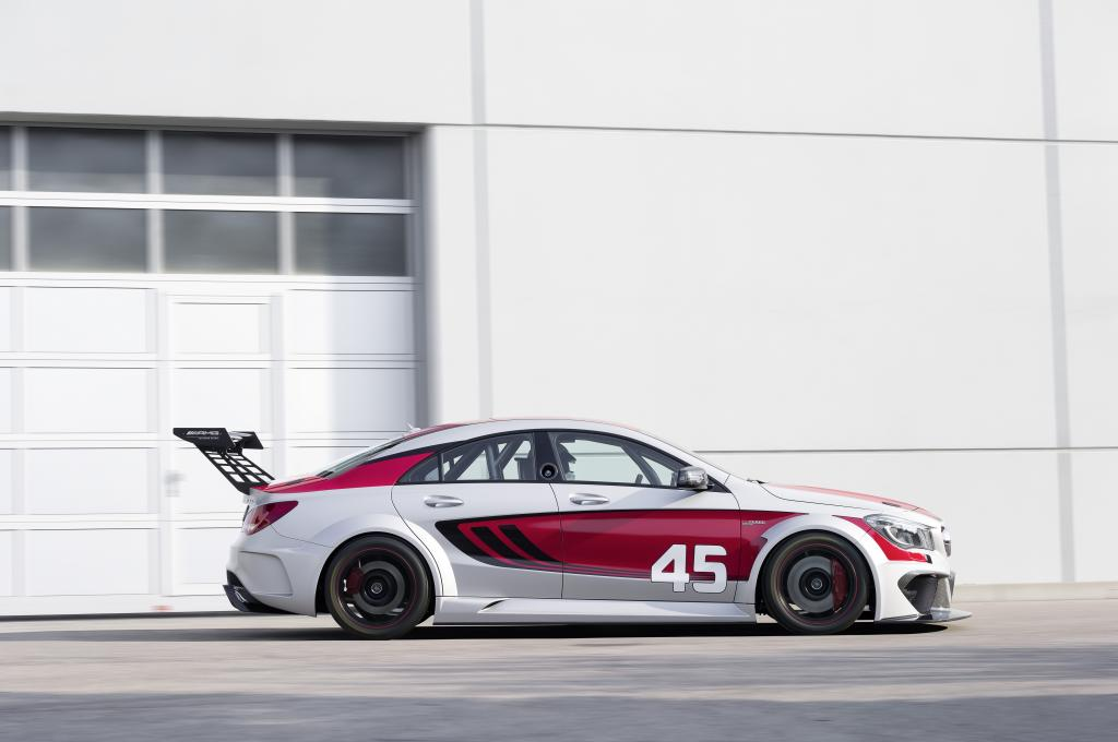 Mercedes-benz cla45 amg racing series