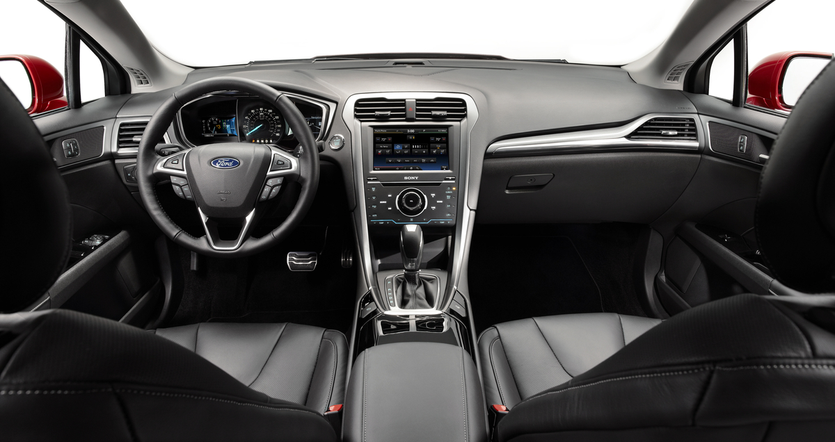 Driven: 2013 Ford Fusion Picture Interior
