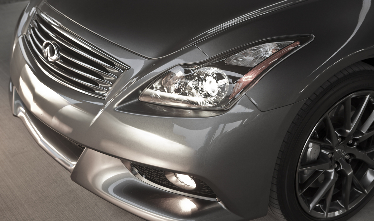 2012 Infiniti IPL G Coupe - Front Headlight detail