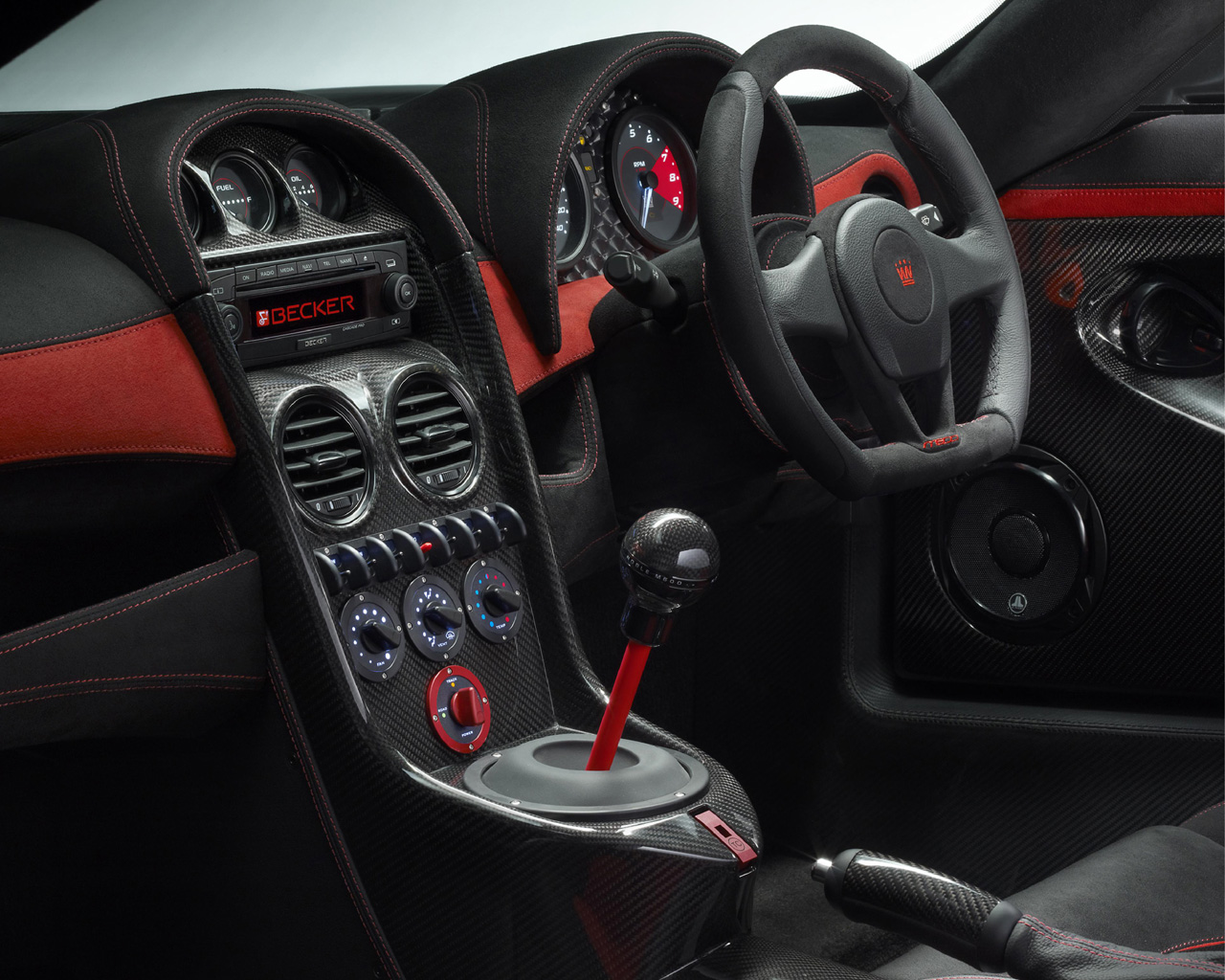 noble m600 interior photo