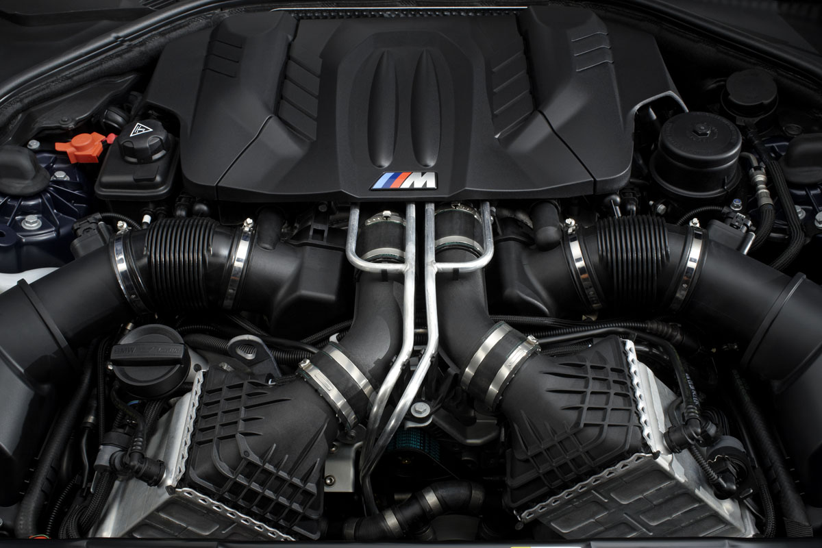 2012 BMW M6 Convertible - Engine