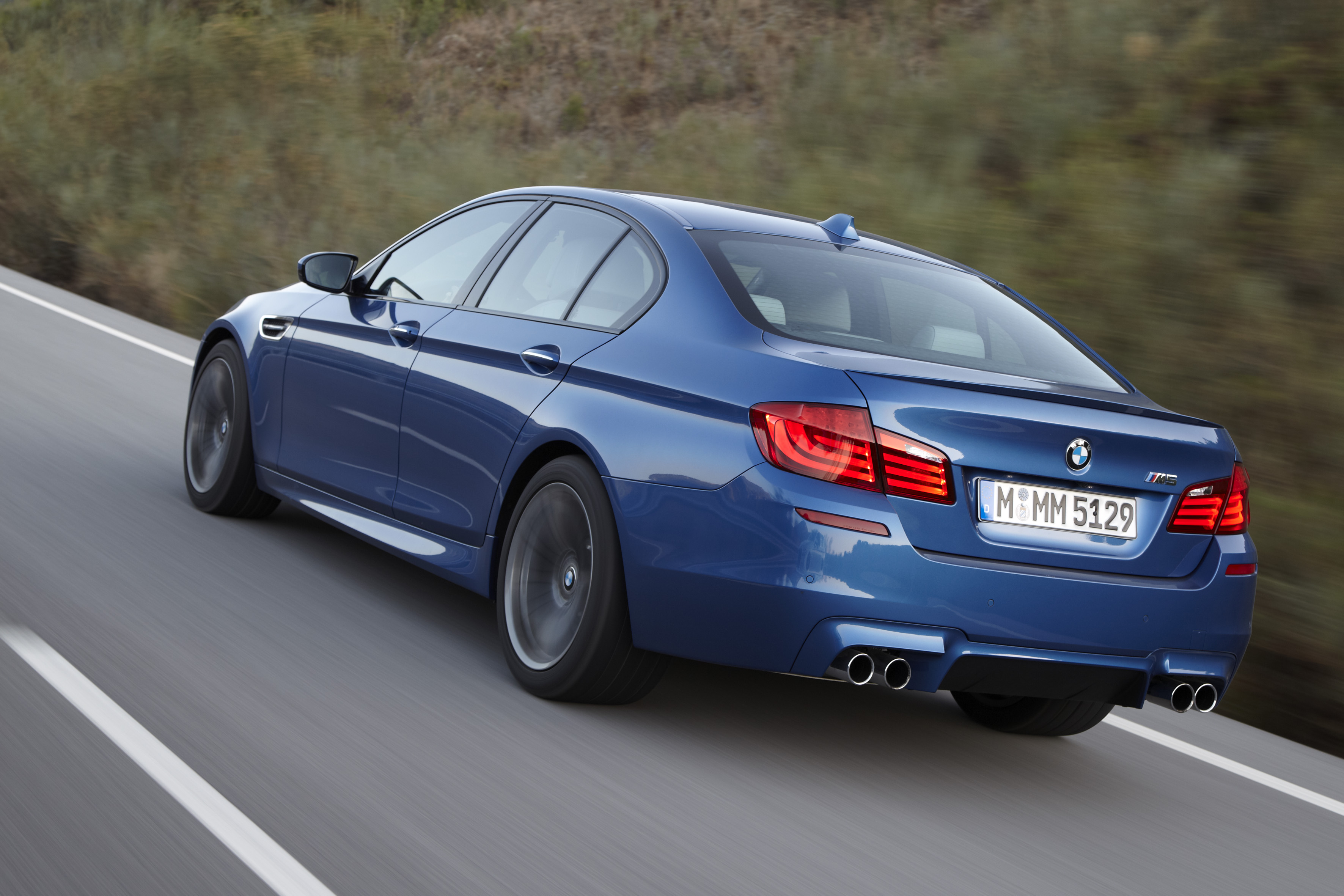 can a manual transmission save the bmw m5 winding road. Black Bedroom Furniture Sets. Home Design Ideas