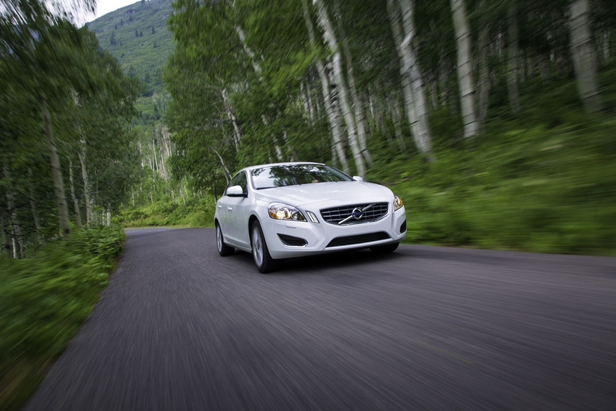 2013 Volvo S60 T5 AWD Front Moving