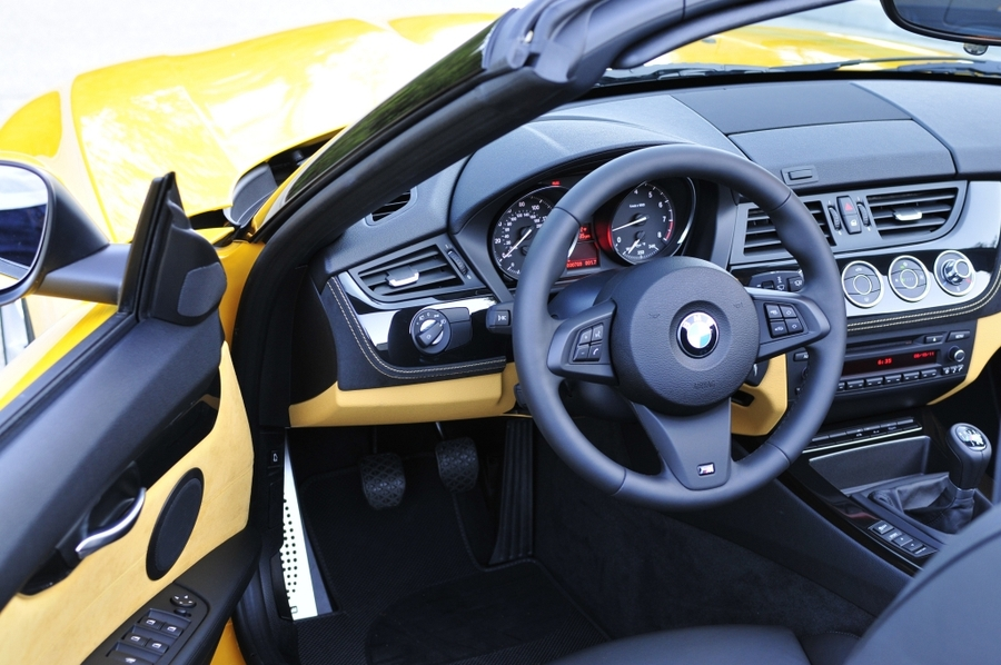 BMW Z4 sDrive28i - interior