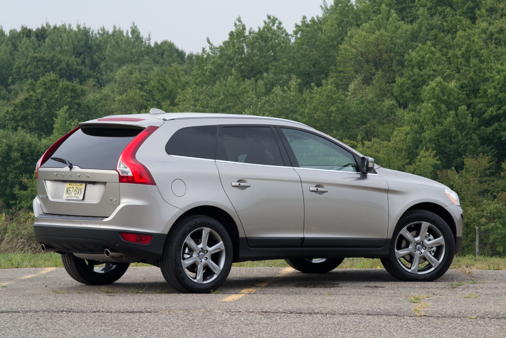quick drive 2012 volvo xc60 t6 awd winding road. Black Bedroom Furniture Sets. Home Design Ideas
