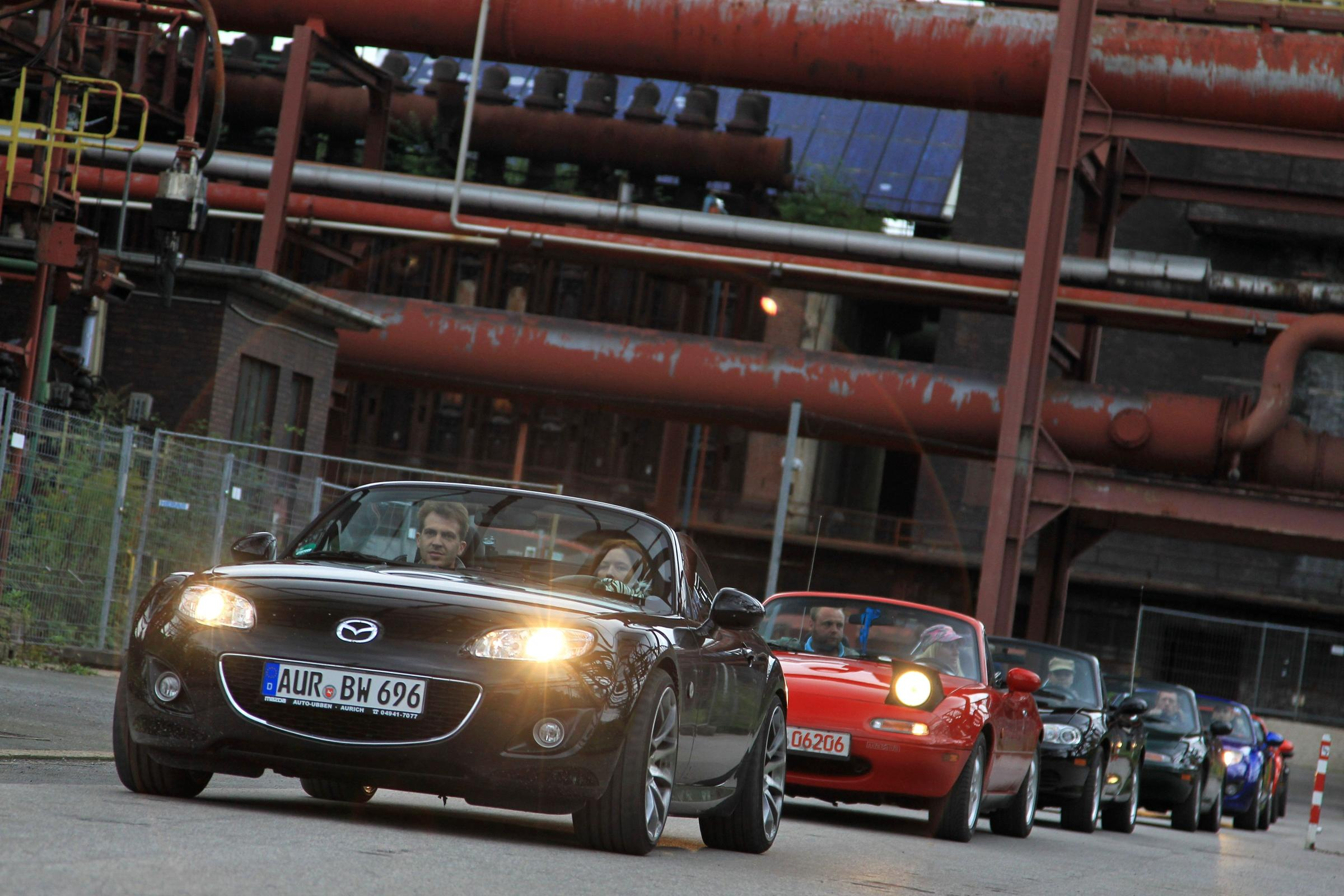 459 Mazda MX-5s set the 2010 world record in Germany